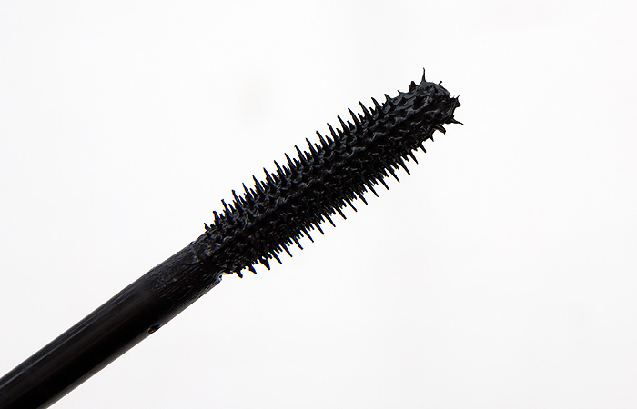 Review benefit they 39 re real mascara steph style for Mascara with comb wand